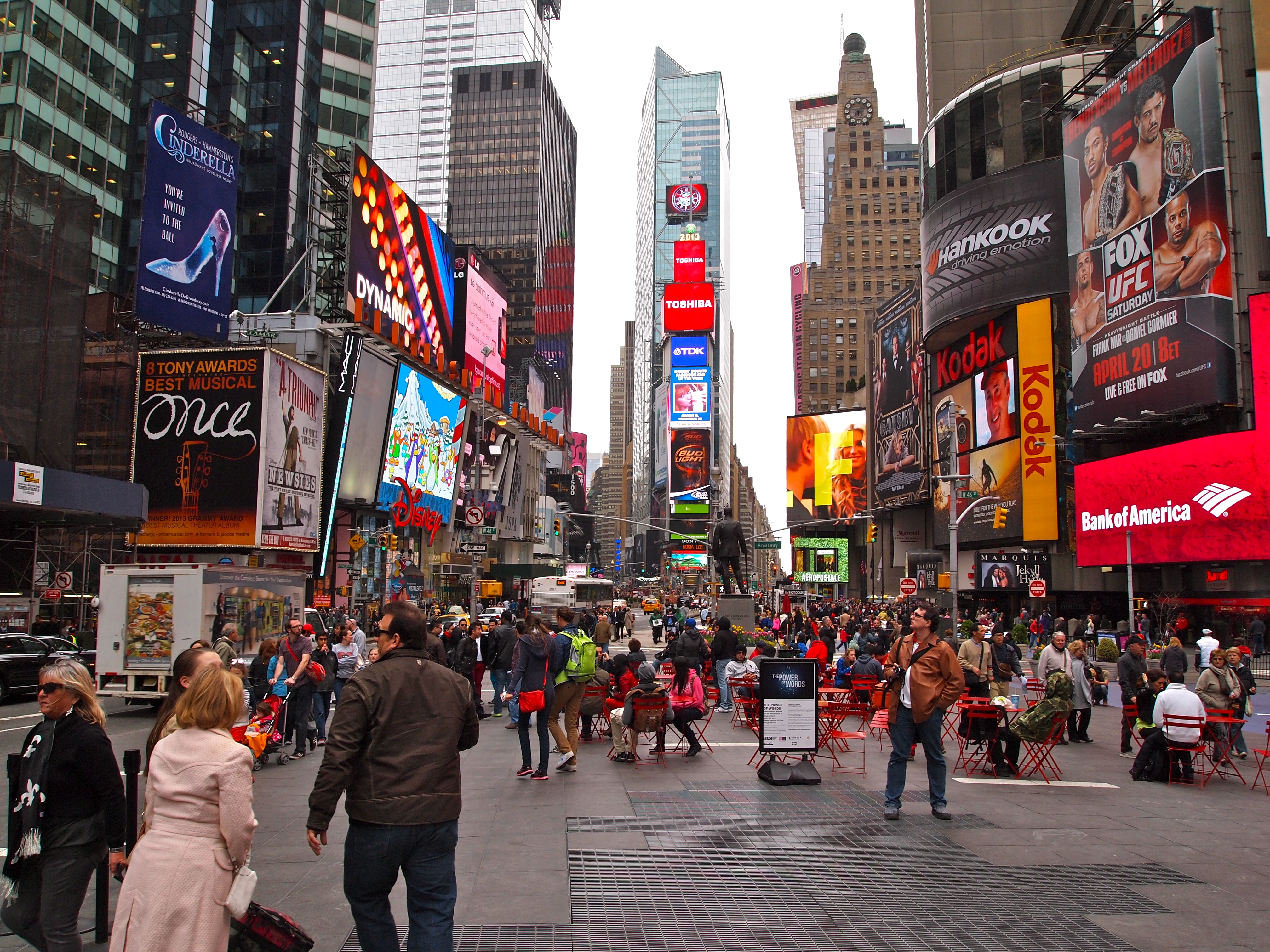 New york city times square fabulous 50 39 s for Good time to visit new york